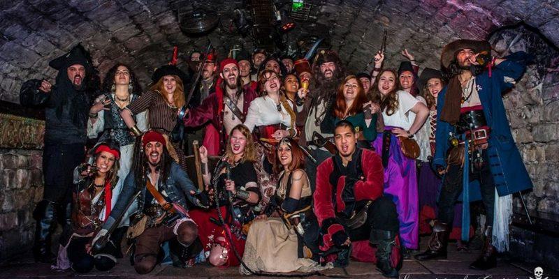 Soirées du Capitaine photo de groupe pirate paris
