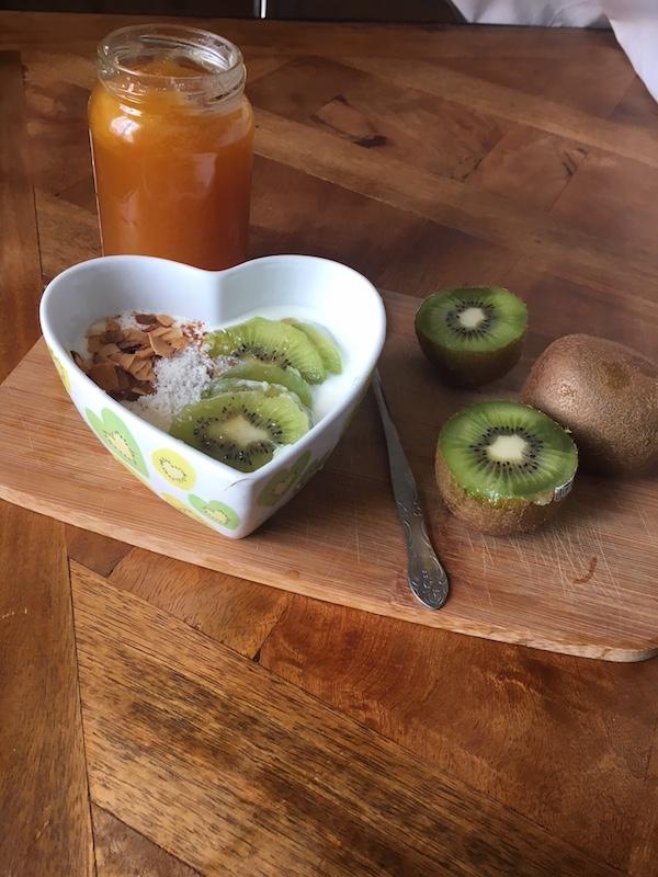 Petit dej' au kiwi, coco et miel